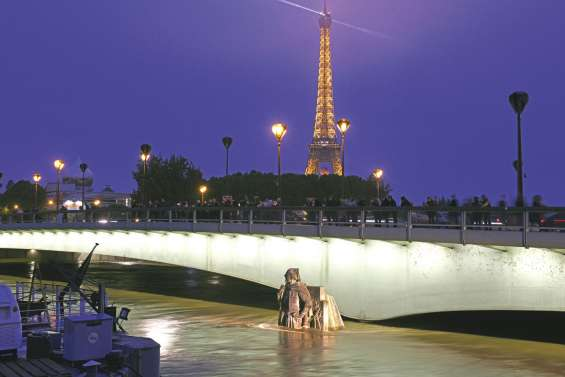 Décrue à Paris,  alerte en Normandie