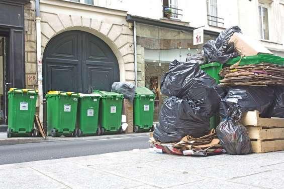Des tonnes de déchets