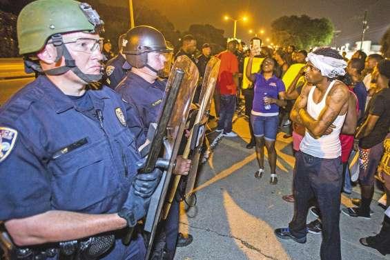 La tension ne faiblit pas entre Noirs et policiers