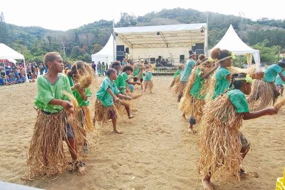 La transmission culturelle ouvre  la fête de l'igname et du taro d'eau
