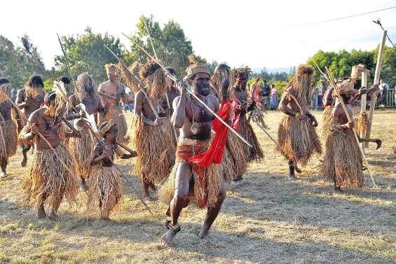 La troupe Cia I Meevu,  une histoire de famille