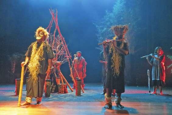 Hôôgô remonte aux sources de la culture kanak