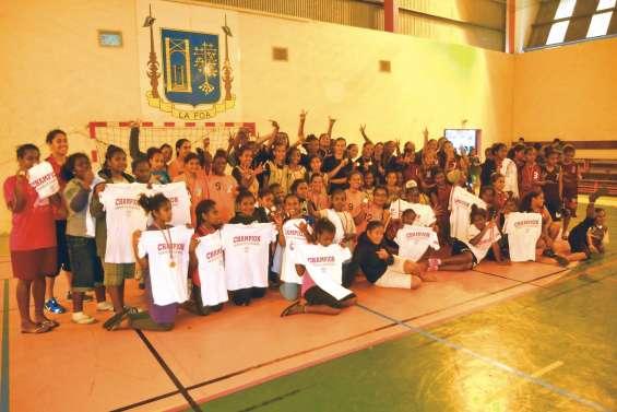 Les handballeuses de Taramen dominent la finale UNSS