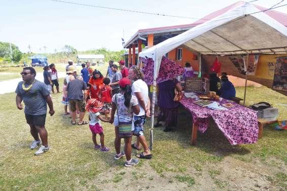 La tribu de Mou organise  une mini-fête de la vanille