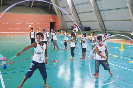 Une rencontre de danse des écoles en demi-teinte à Poindimié