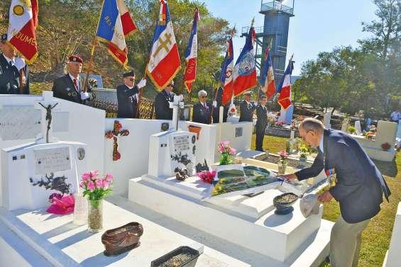 Une cérémonie en hommage  au soldat Maxime Debien