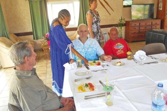 Un déjeuner citoyen avec les seniors