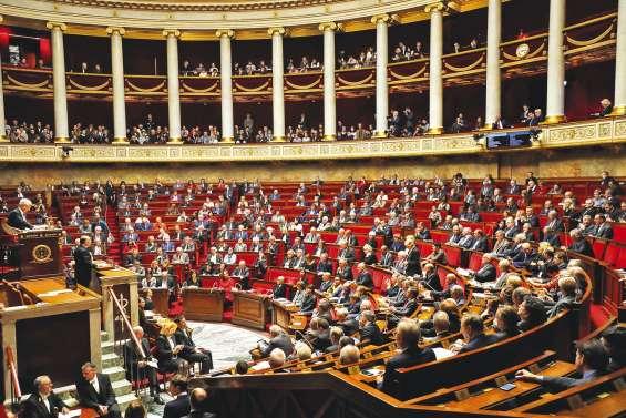 Cazeneuve obtient une large confiance de l'Assemblée