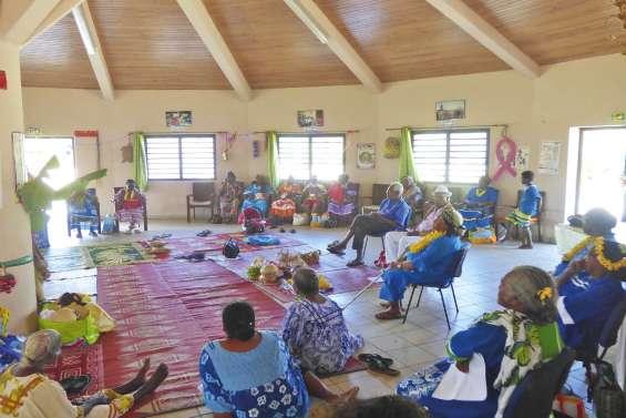 Les seniors de Drehu fêtent Noël en chansons