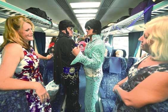 L'Elvis Express  en gare de Sydney