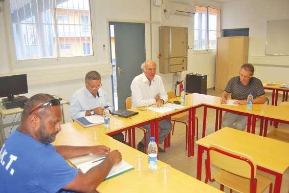 Préavis de grève maintenu  au lycée Antoine-Kela