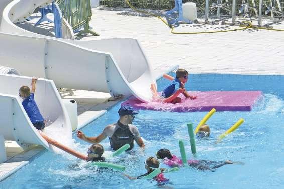 Trois jours pour découvrir le triathlon au centre aquatique provincial