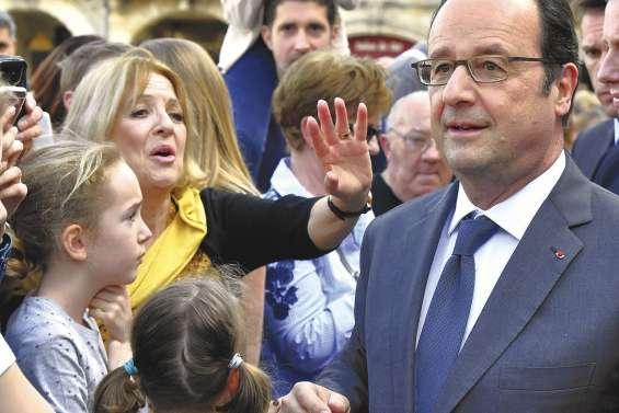 Hollande appelle à s'unir face au nationalisme