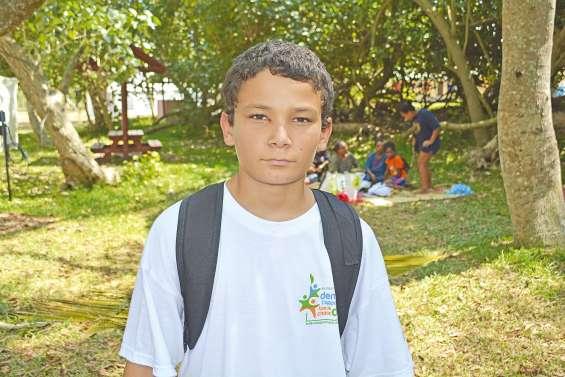 Quatre jeunes engagés  dans le développement durable
