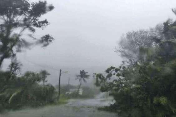 Le cyclone Donna en route vers le Nord