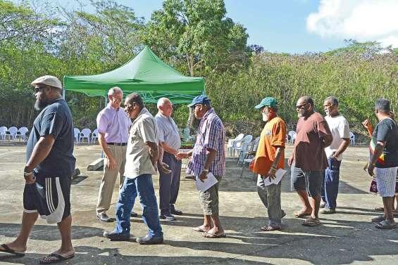 Un équipement pour les sports collectifs à Baco