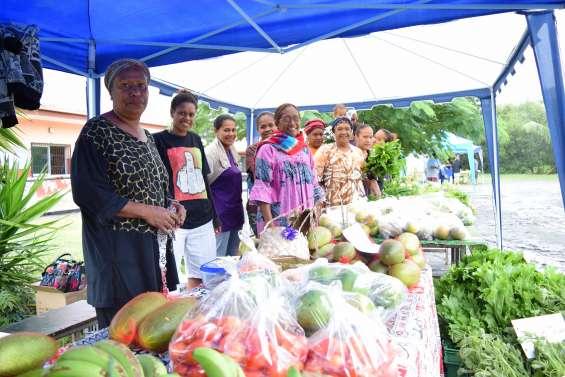 Un marché pluvieux à N'Dé