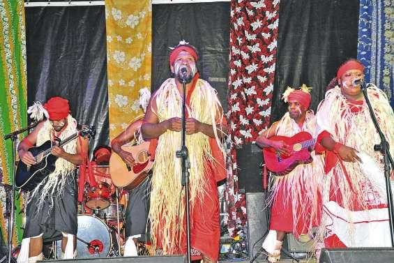 Les Solitaires de Wanéé  en concert à Boulari