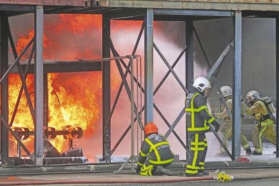 Les sapeurs-pompiers vanuatais  à « l'école » de La Tontouta