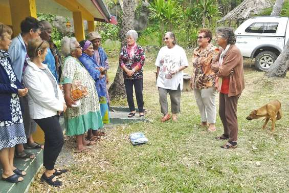 Les seniors en balade à la tribu de Oua Oué