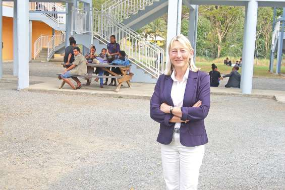 Une nouvelle directrice  du lycée portée vers l'humain