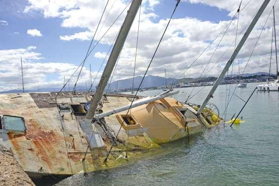 Le casse-tête de ces épaves qui menacent le littoral