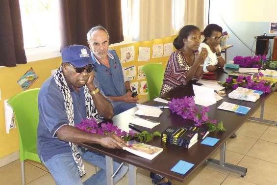 Quatre écrivains locaux en dédicace