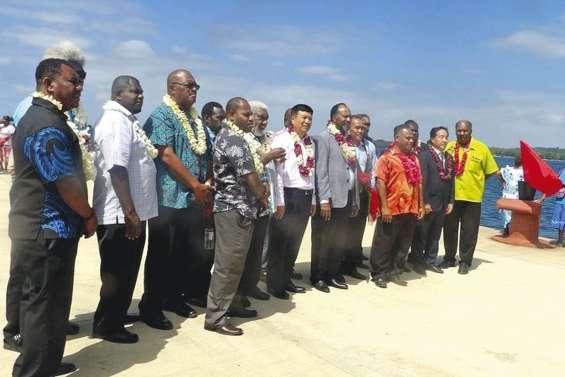 Santo s'offre le plus long quai du Pacifique