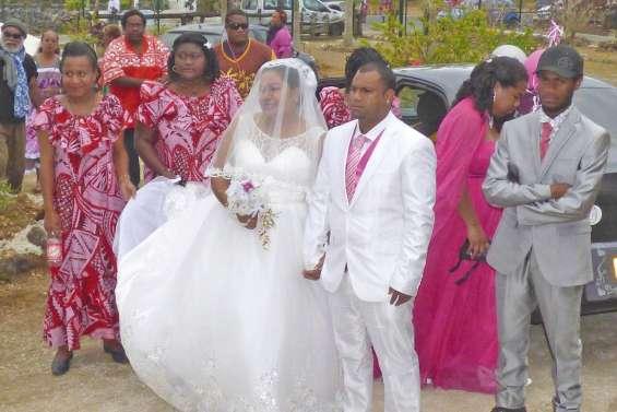 Soixante et onze mariages  en une saison à Lifou