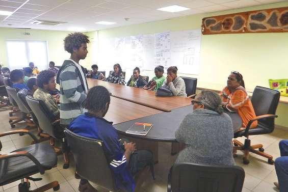 Les collégiens à la  rencontre des institutions