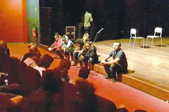 Collégiens et lycéens  se rencontrent sur scène