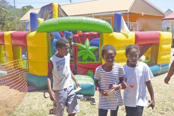Quatre écoles unies pour faire la fête