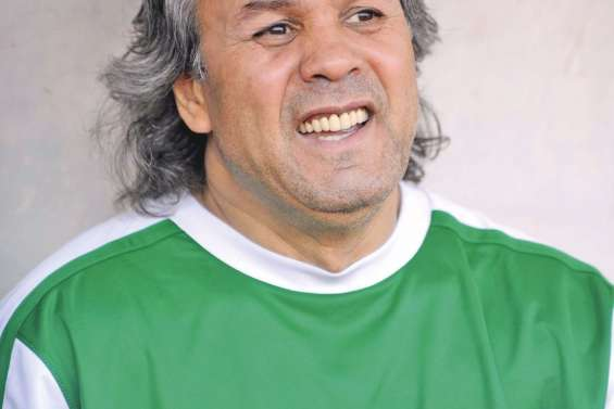 Rabah Madjer, une star sur le banc des Fennecs