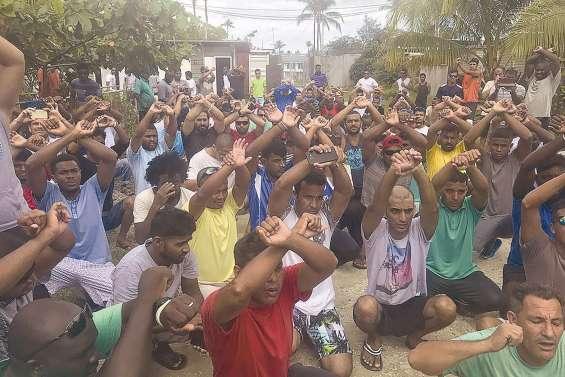 600 réfugiés retranchés à Manus