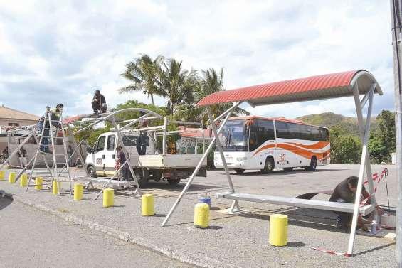 Quatre abris de bus  installés place Blidy