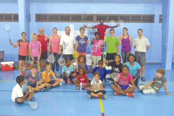 Un tournoi de badminton pour les jeunes