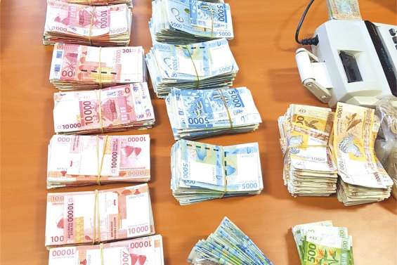 Fraude fiscale : 18 millions de francs en liquide saisis
