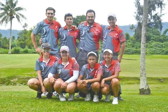 Les golfeurs entrent en piste