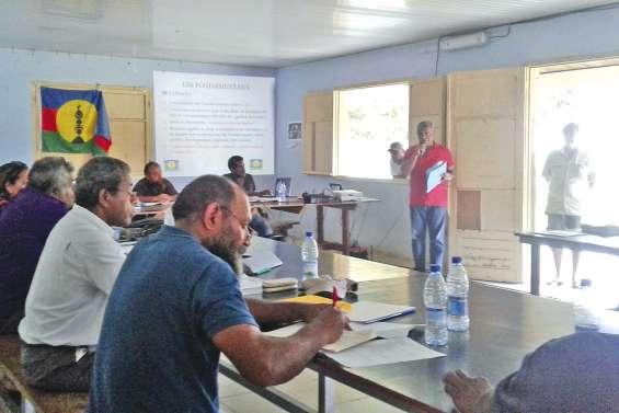 FLNKS : l'indépendance  avec partenariat sur la table