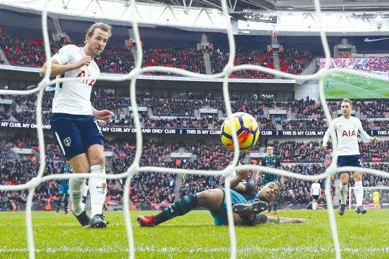 L'Ouragan Kane décoiffe Messi