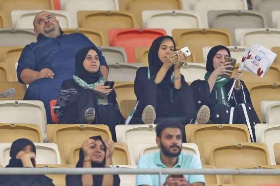 Arabie Saoudite : enfin des femmes au stade !