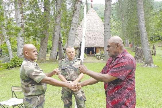 Des militaires en mission  à la tribu de Petit Couli