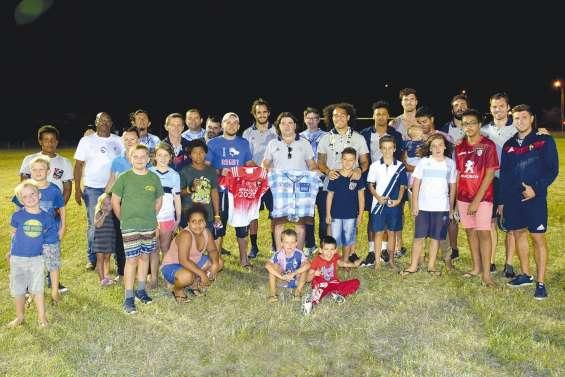 L'équipe de France de rugby à 7 en province Nord