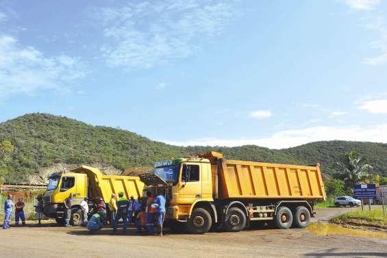Le centre minier de Tiébaghi bloqué par des rouleurs