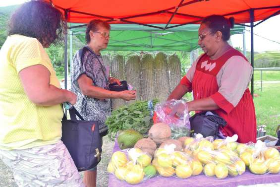 À N'Dé, le marché des femmes trouve son rythme de croisière