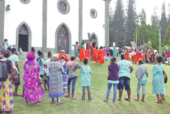 Une célébration  théâtrale à Kunié