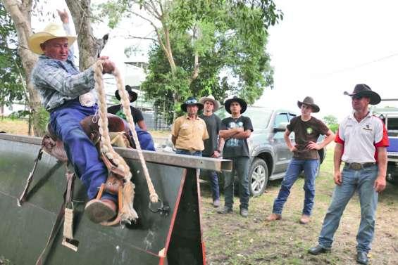 Les rodeomen font leurs classes  à Gadji avec deux pointures