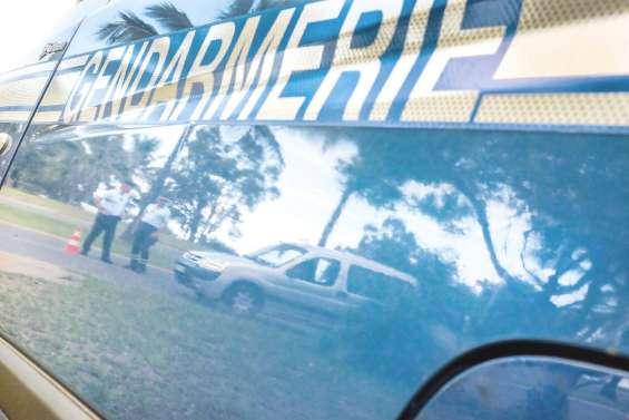 Il fonce sur les gendarmes par « panique »