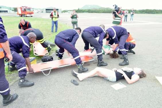 Exercice en conditions réelles  d'un crash d'avion à La Tontouta