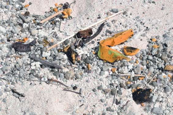 Les débris du Kea Trader toujours présents